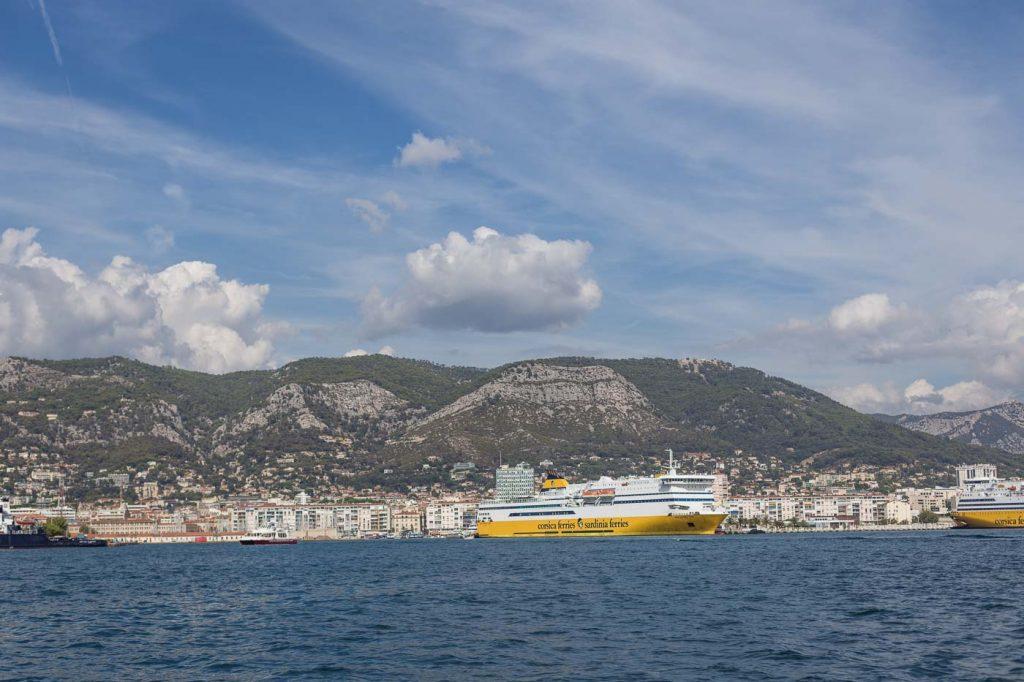 Le port et la rade de ToLe port et la rade de Toulon - photos de voyageulon