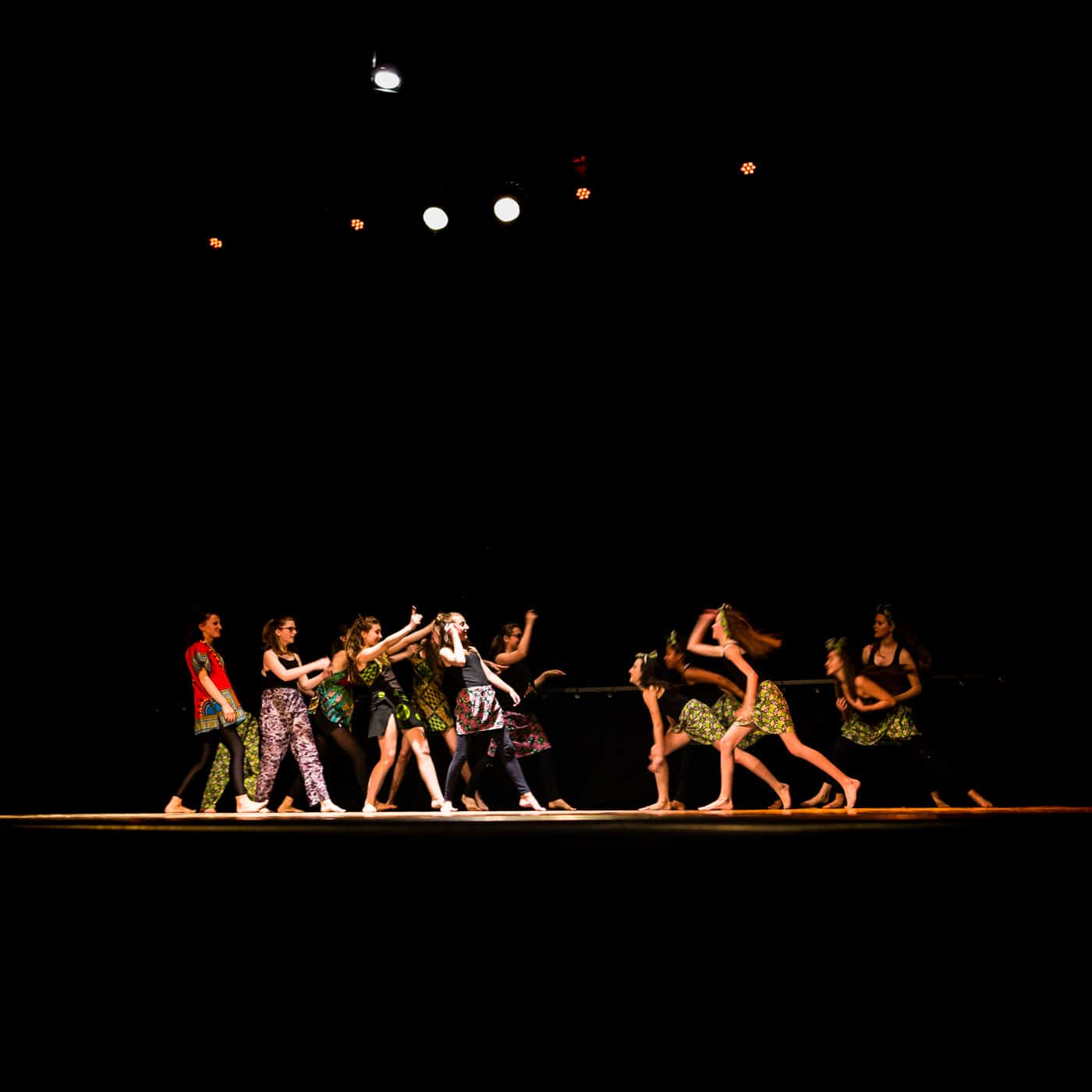 spectacle-de-danse-a-la-rotative-eleves-du-centre-d-animation-de-buxerolles