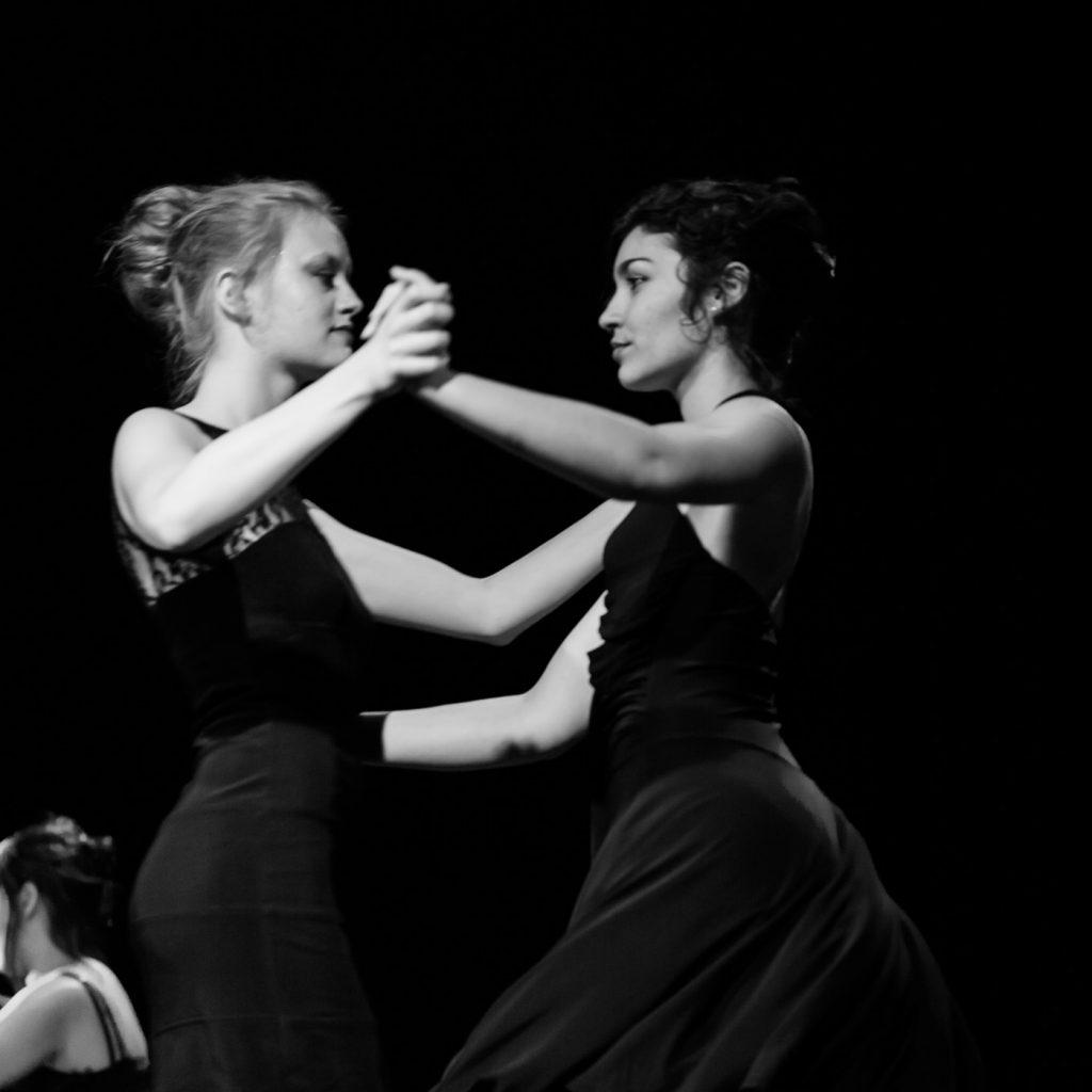 spectacle-de-danse-a-la-rotative-eleves-du-centre-d-animation-de-buxerolles
